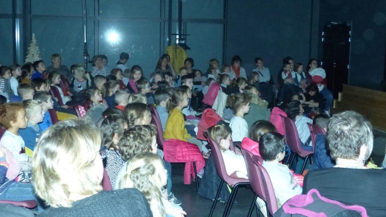 Spectacle Noel ecole publique Lantriac 2